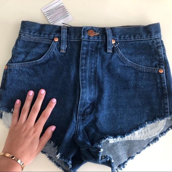 5967a737 Wrangler Shorts | Nwt Urban Renewal Vintage Sz29 | Poshmark